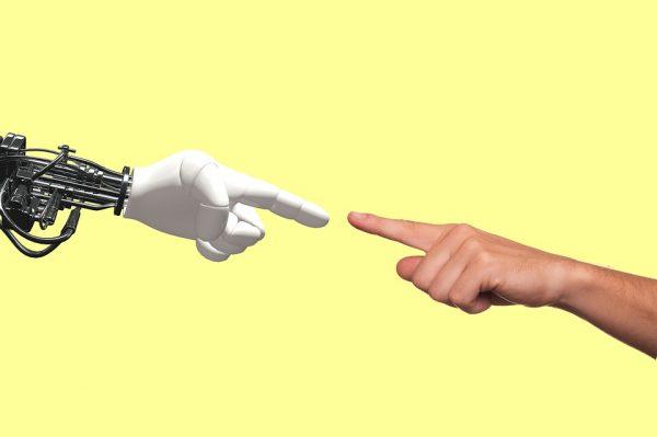 Kesinambungan Antara Manusia dan Robotika